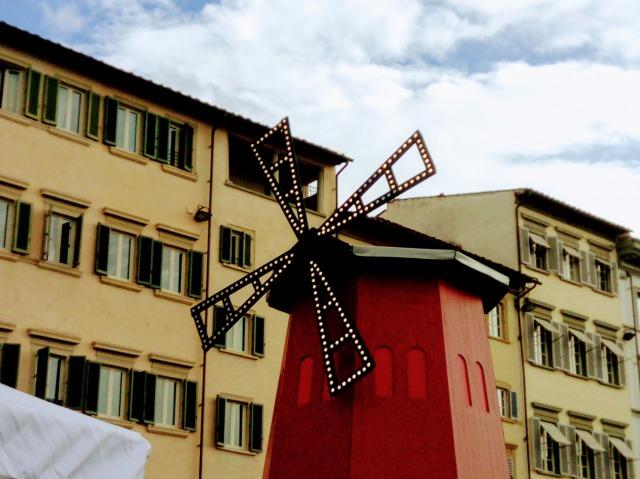 年に一度の『フランス市場』がフィレンツェに帰ってくるよ!2017年はサンティッシマ・アンヌンツィアータ広場で開催。