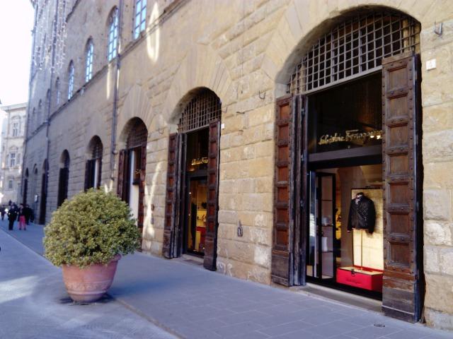 フェラガモ フィレンツェ本店