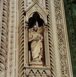 ドゥオモ前の聖女レパラータ