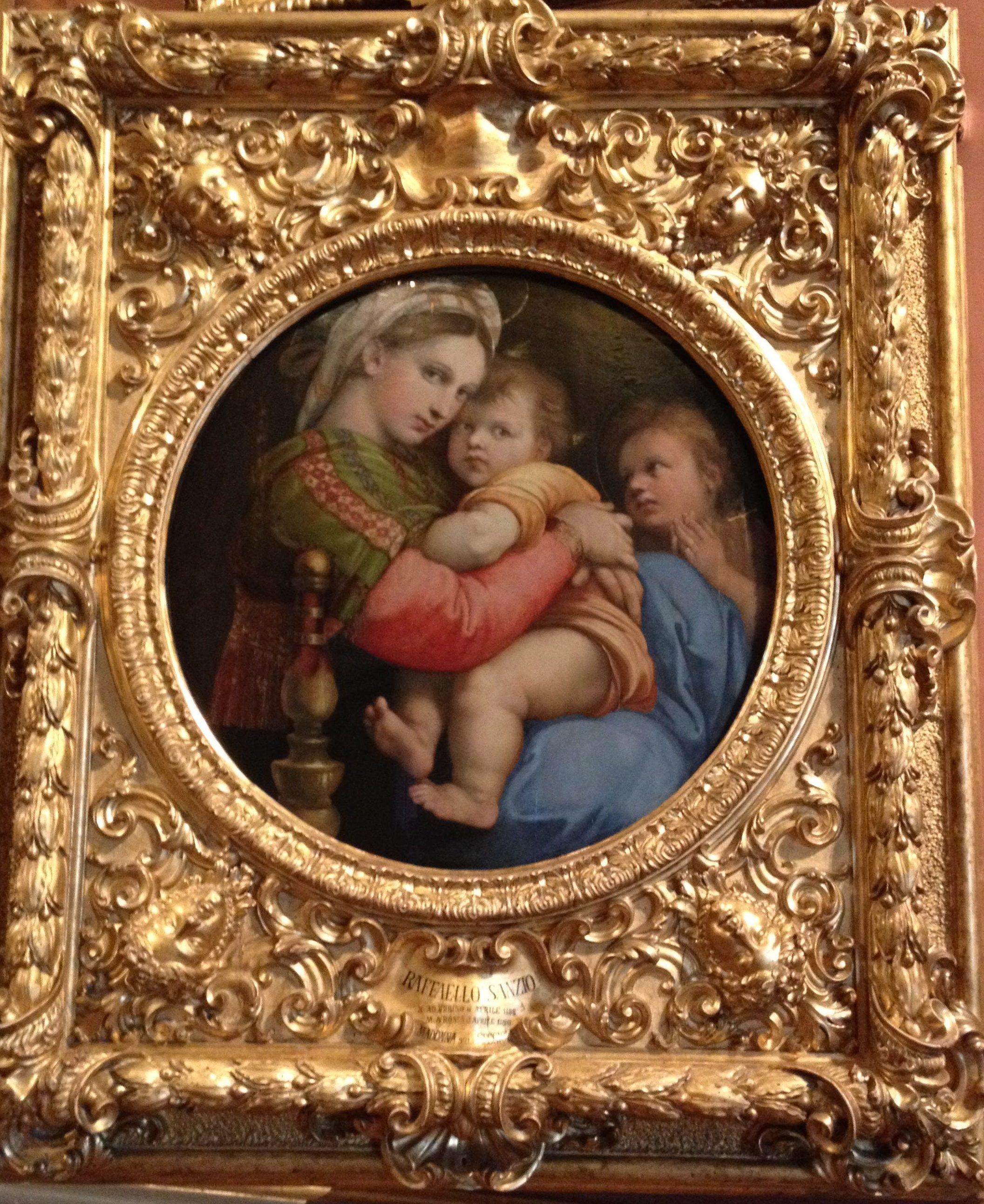 ラファエロ作「小椅子の聖母」愛情深い母のまなざし。