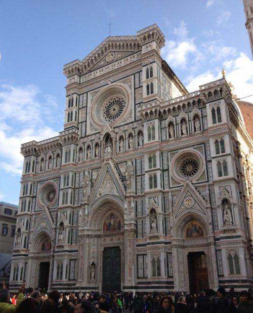 フィレンツェ人の誇り、美しきドゥオモのファサード。壮大な歴史と意味を徹底解説!