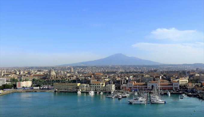 シチリア島のエトナ火山