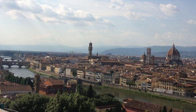 フィレンツェの街を一望できるミケランジェロ広場より。