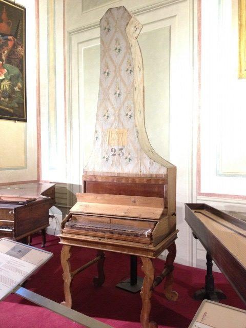 世界最古の縦型ピアノ
