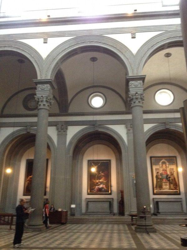 ピエトラ・セレーナの例(サン・ロレンツォ教会)