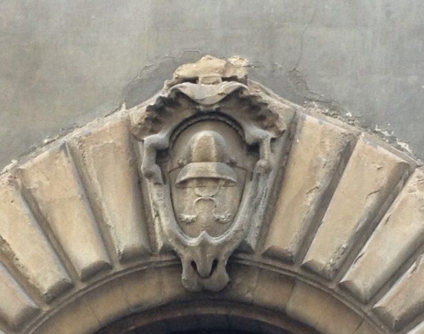 カペッロ(帽子)の紋章