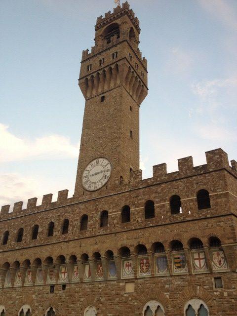 ヴェッキオ宮殿、アルノルフォの塔、古代ローマ劇場遺跡