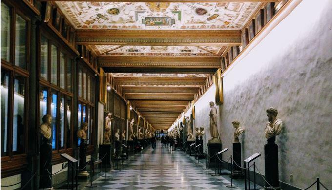 ウフィツィ美術館 第一の廊下