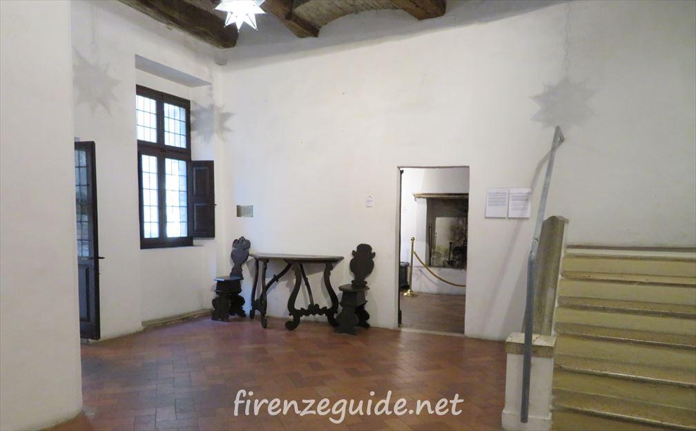 ラファエロの生家 キッチン前のホール